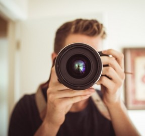 What does a Photographer do?